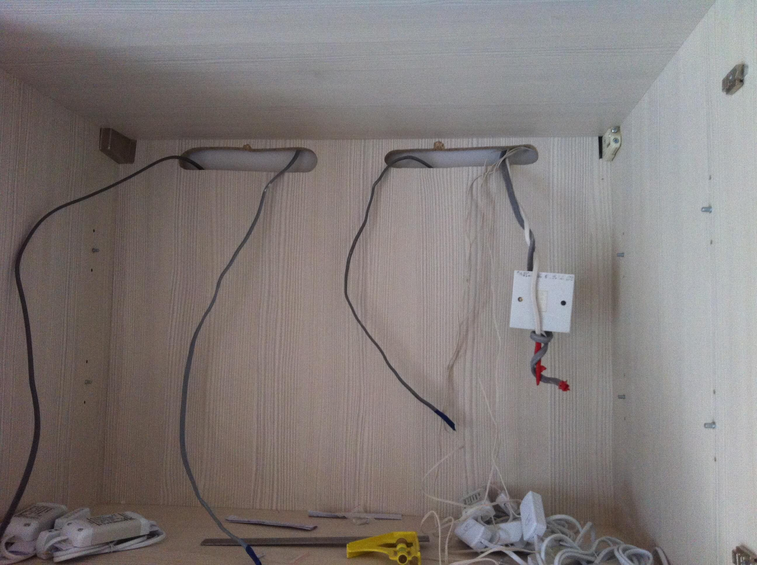 Bedroom Robe Lights wiring going in
