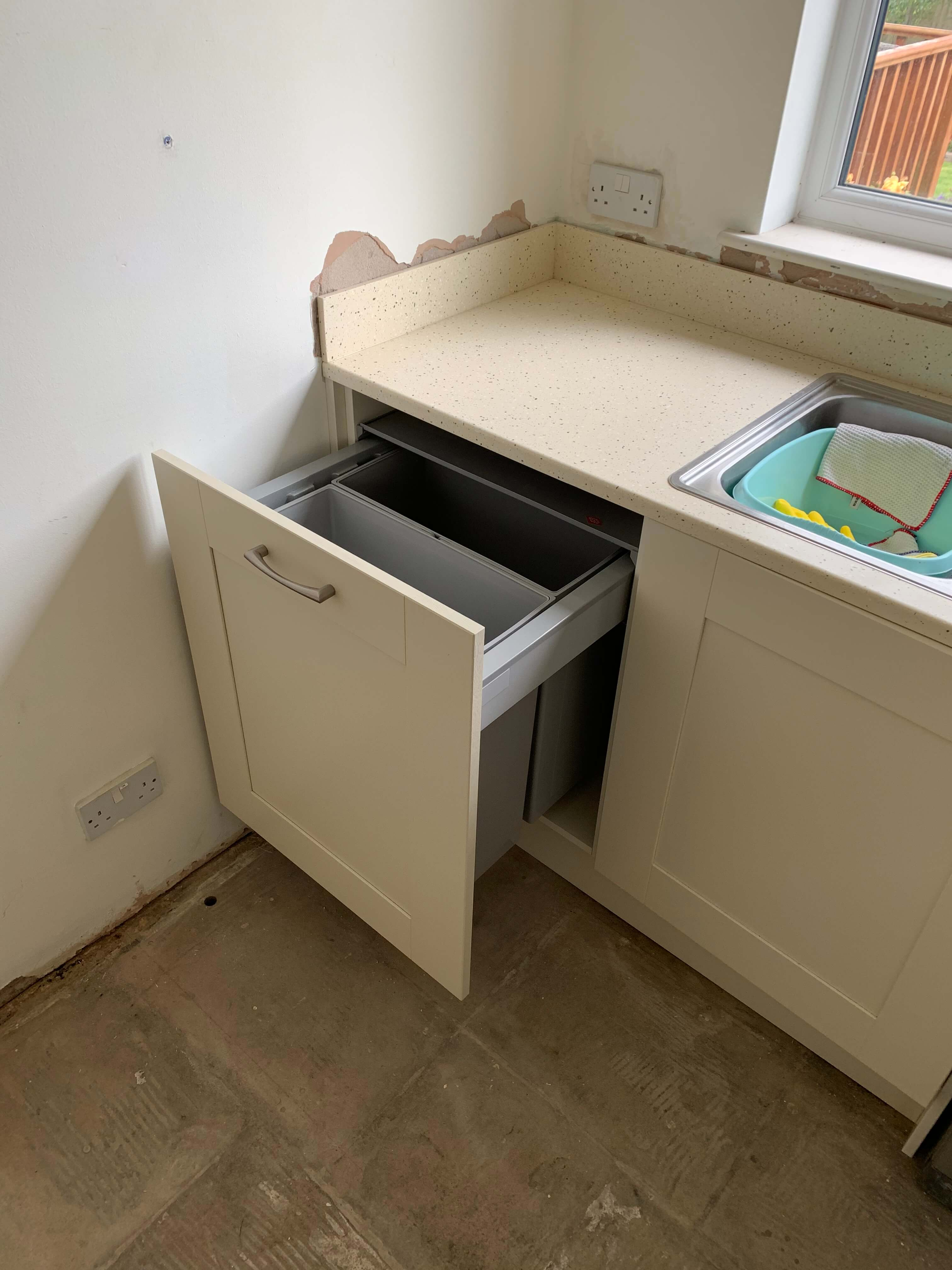 Waste and recycle bin