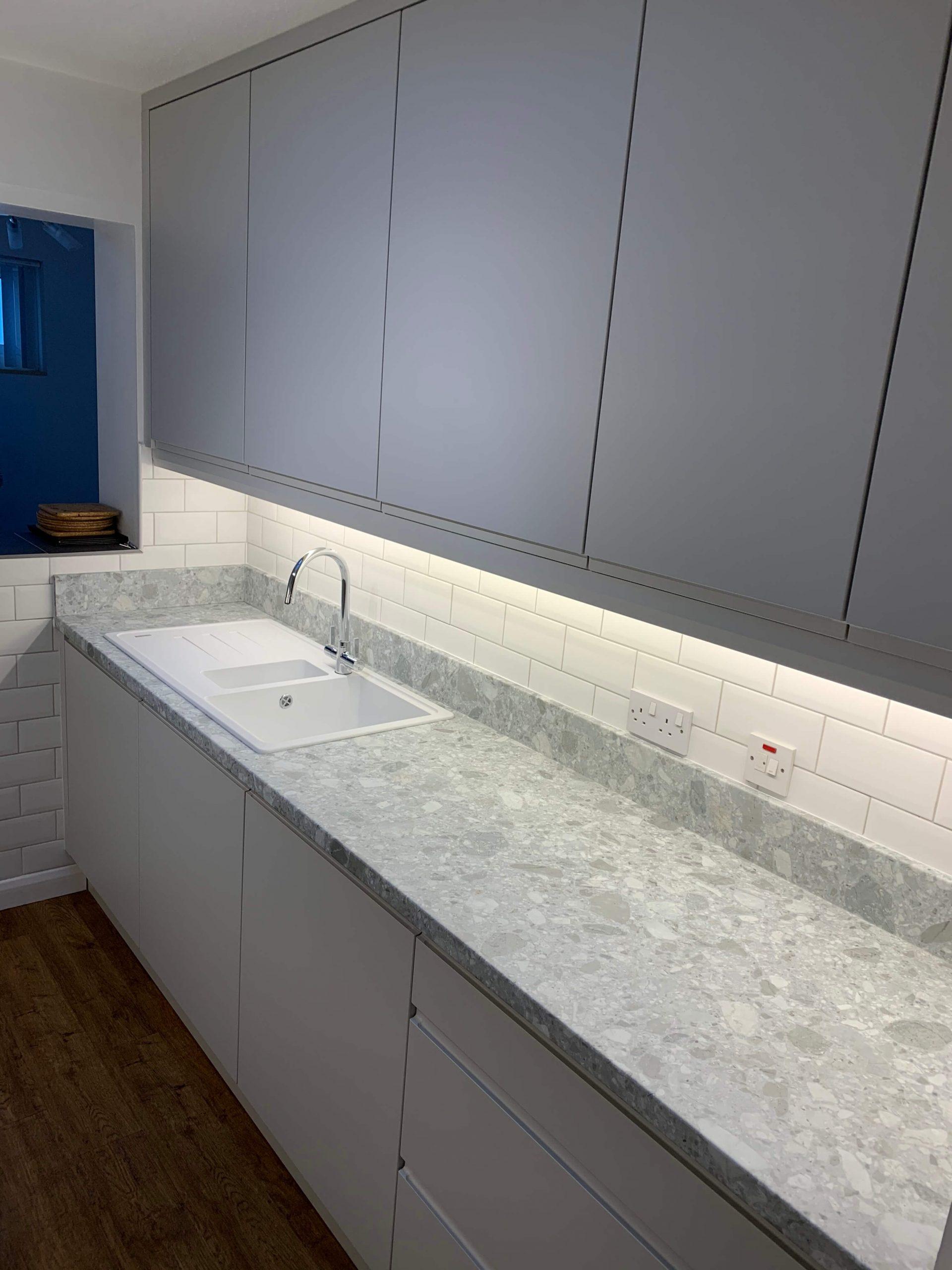 Handless Galley Kitchen Sink Run