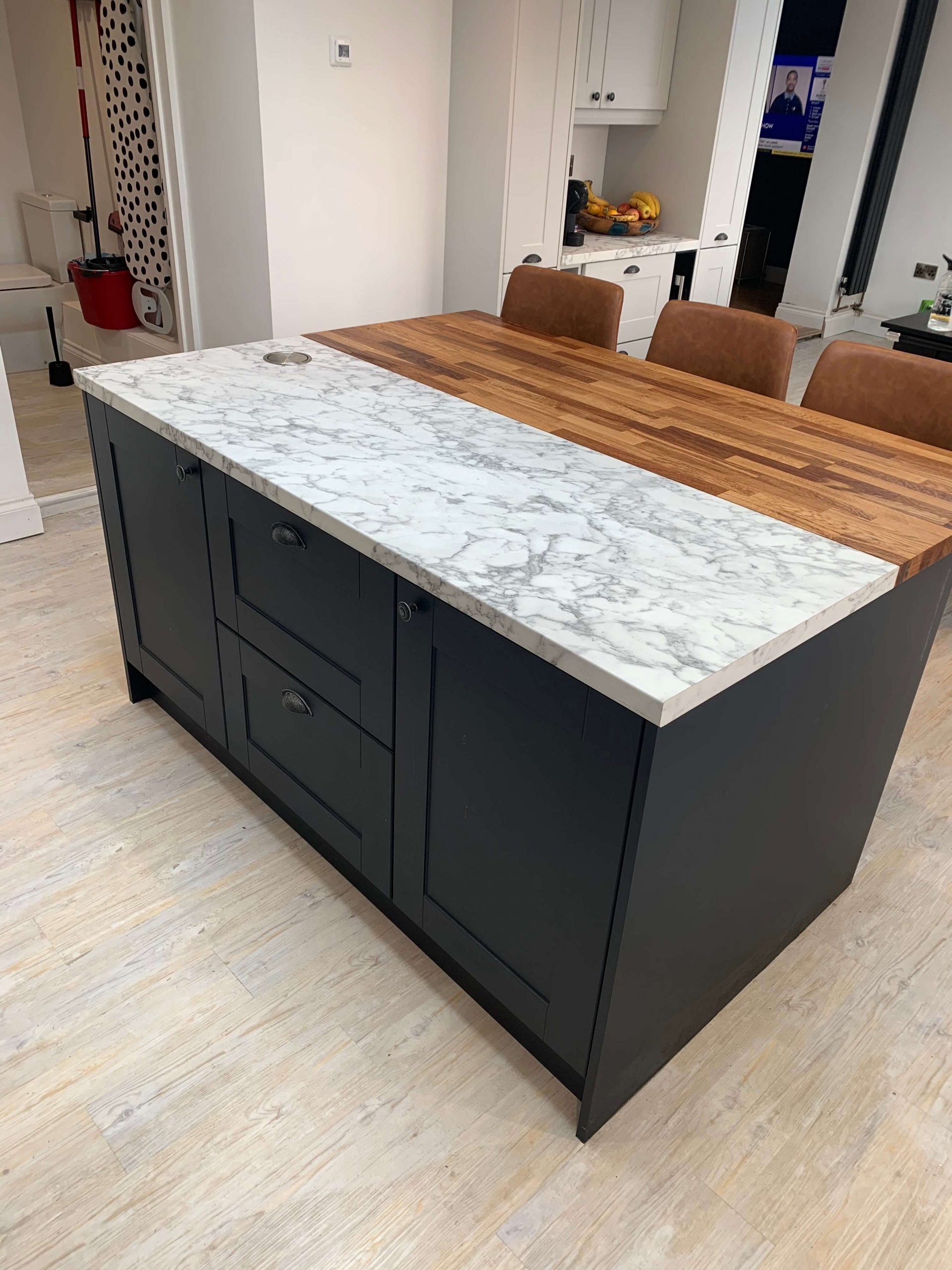 Island with Laminate and Oak Worktops